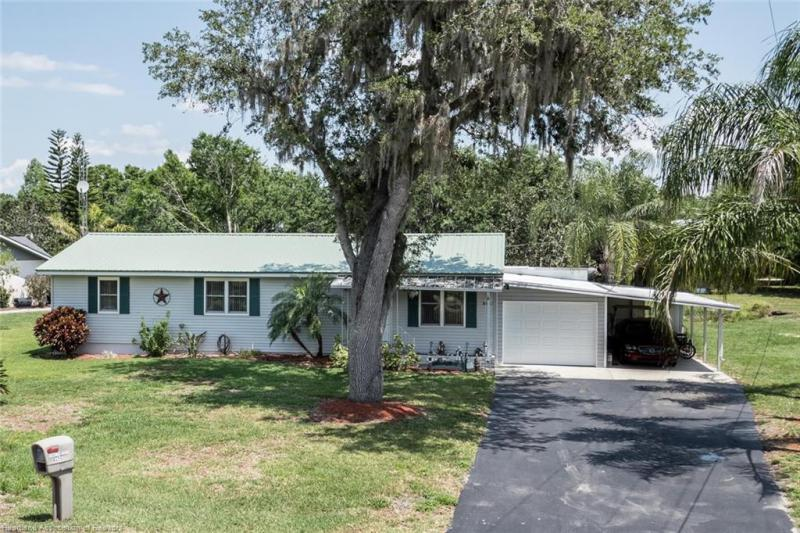 Home for sale in  Lorida Florida