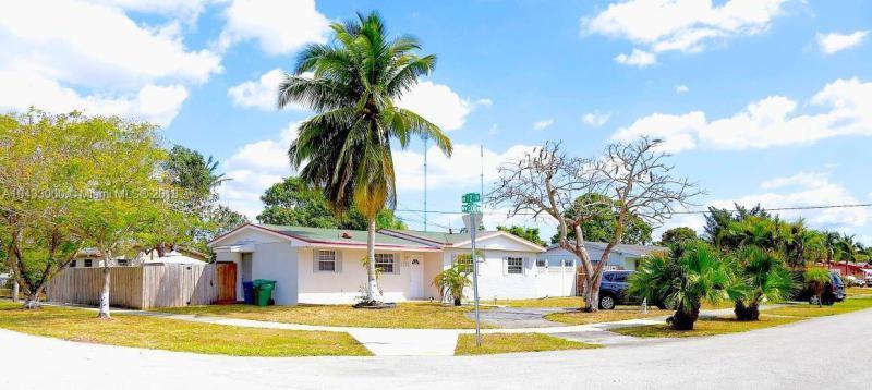 Home for sale in SIERRA MIRADA SEC 1 4TH A Miami Gardens Florida