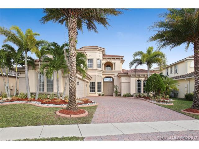 700 Edgebrook Lane West Palm Beach, FL 33411