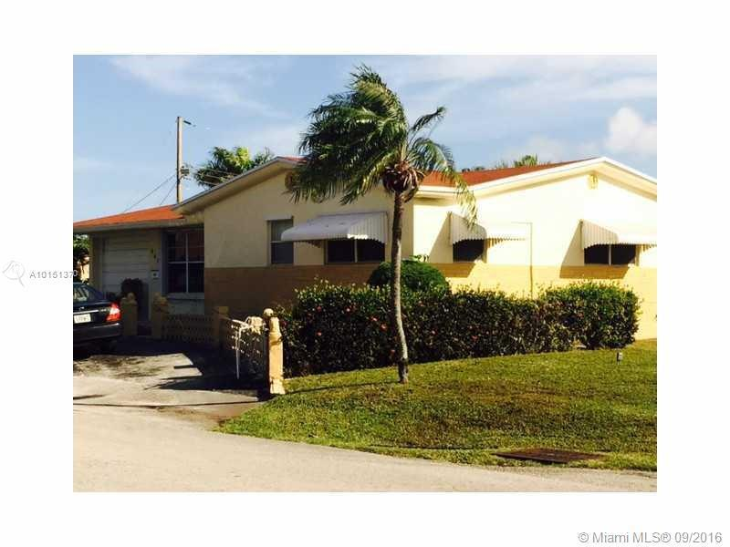 Single Family in Hallandale</strong>
