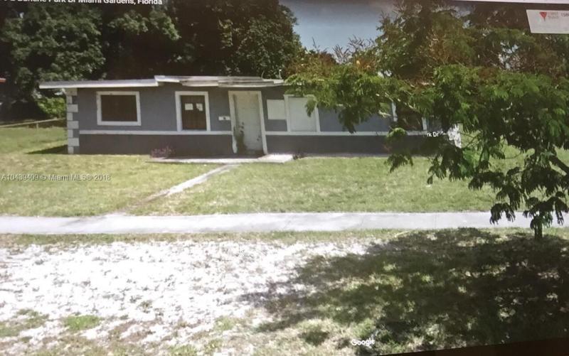 15801 E Bunche Park Dr, Miami Gardens, FL 33054
