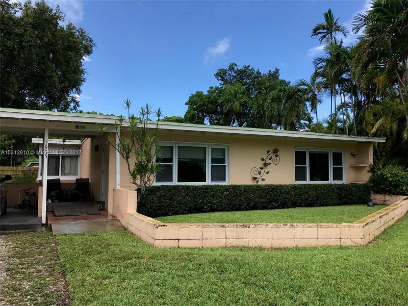 1905  Alamanda Dr, North Miami, FL 33181