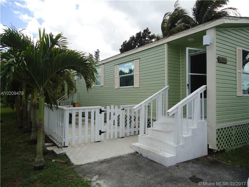Single Family<br/> in Homestead