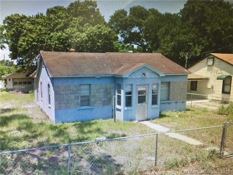 Single Family<br/> in Fort Pierce