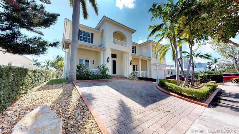Home for sale in Keystone Island No 4 North Miami Florida