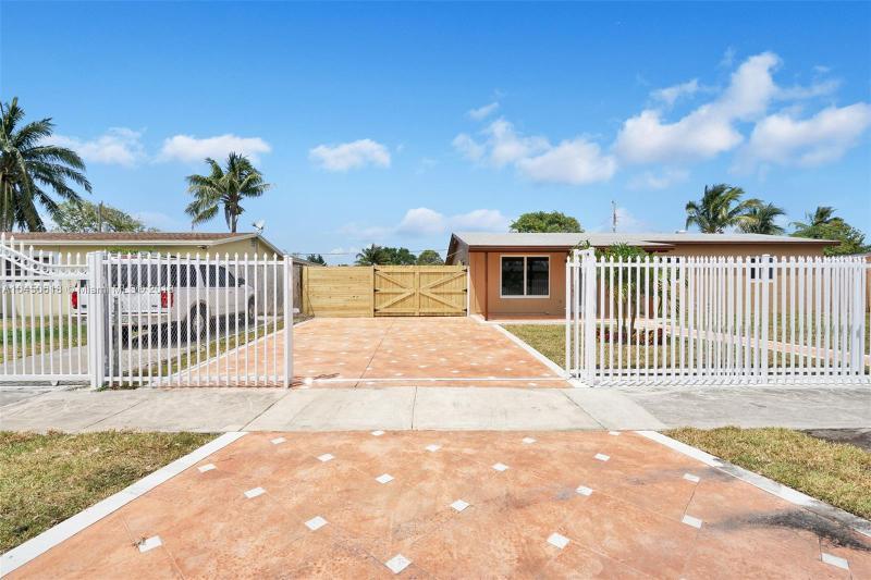 1311 Ne 213th Ter, North Miami Beach, FL 33179
