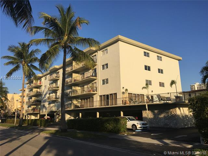 3665 Ne 167th St  209, North Miami Beach, FL 33160