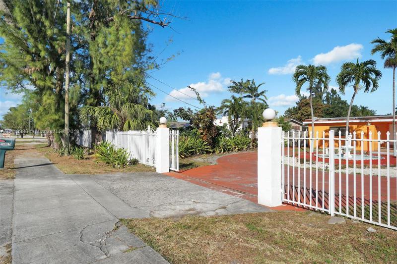 16015 Nw 47th Ave, Miami Gardens, FL 33054