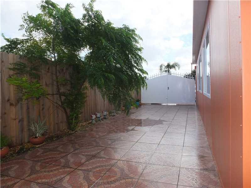 Single Family En  En Hialeah - Código: A10192553