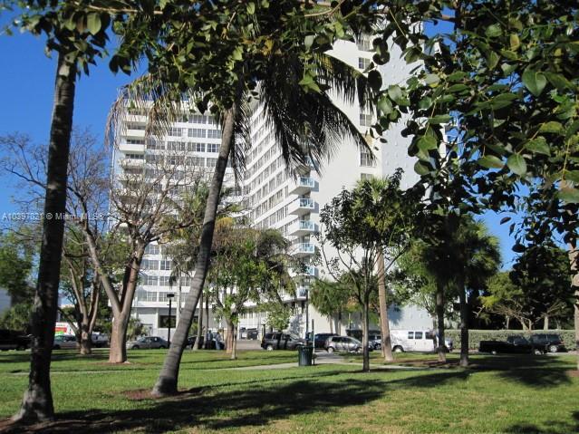7441  Wayne Ave  6r, , FL 33141