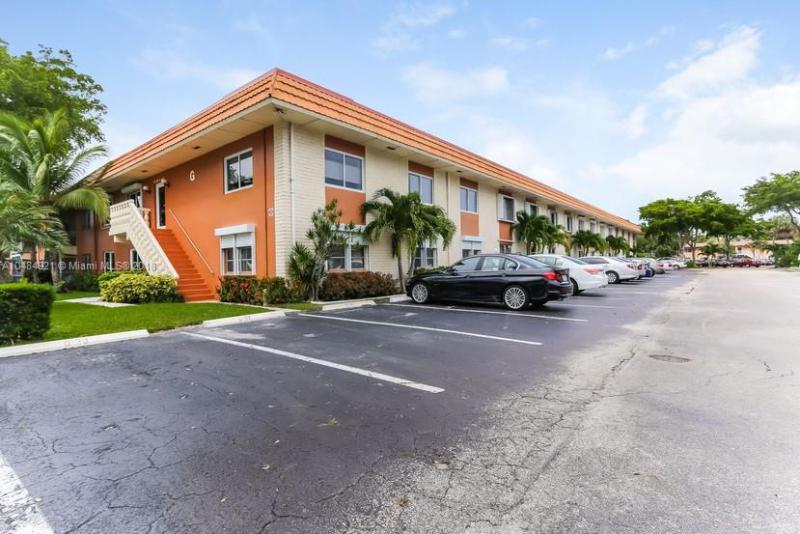 Home for sale in MANOR GROVE VILLAGE 2 CON Wilton Manors Florida
