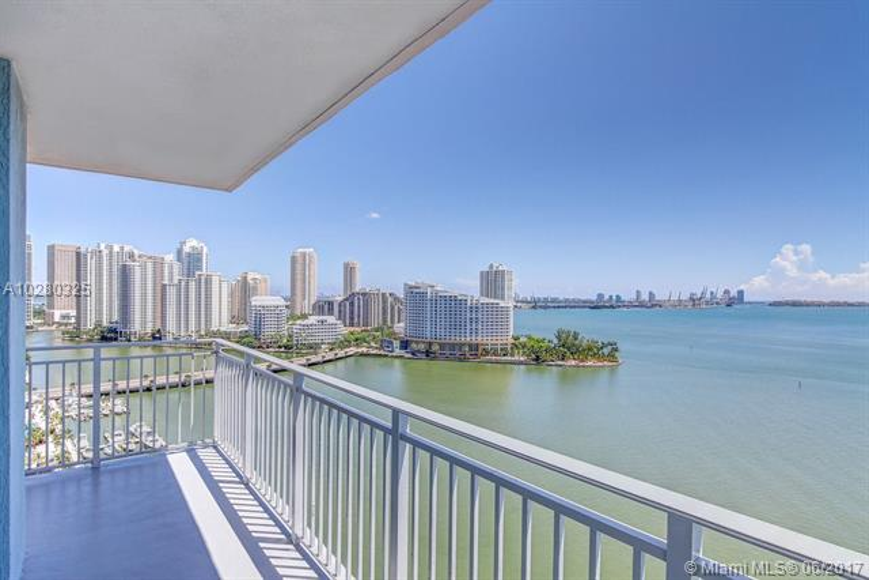 1111  Brickell Bay Dr  1512, Miami, FL 33131