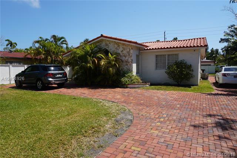 1235  Lenox Ave, Miami Beach, FL 33139