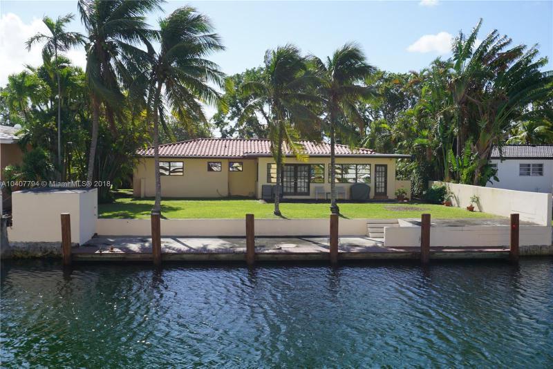 2135  Arch Creek Dr, North Miami, FL 33181