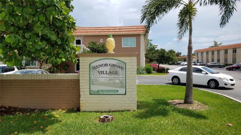 Home for sale in MANOR GROVE VILLAGE 1 CON Wilton Manors Florida