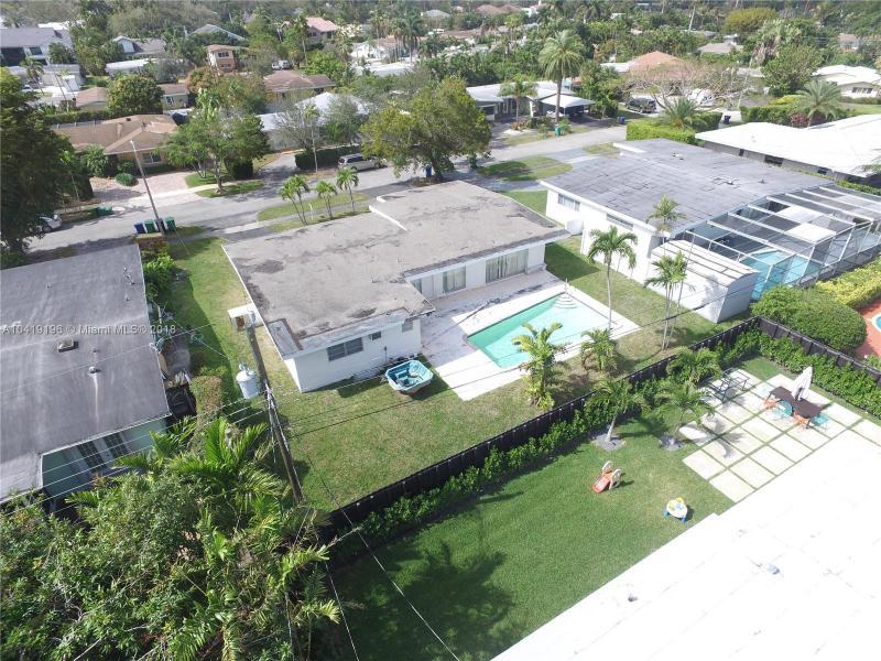 20031 Ne 20th Ct, Miami, FL 33179