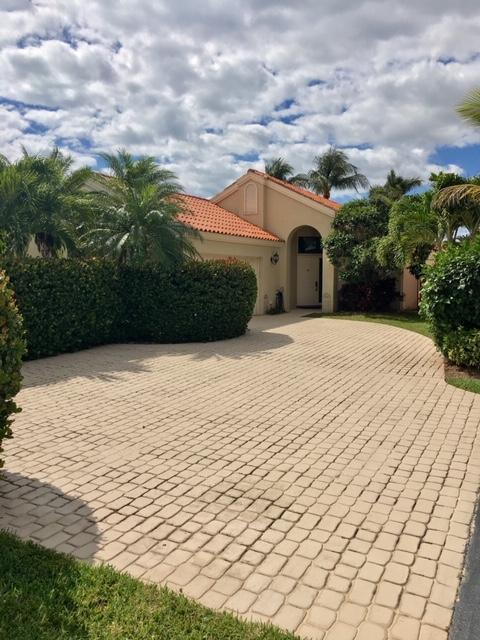 2657 La Lique Circle  Palm Beach Gardens FL 33410