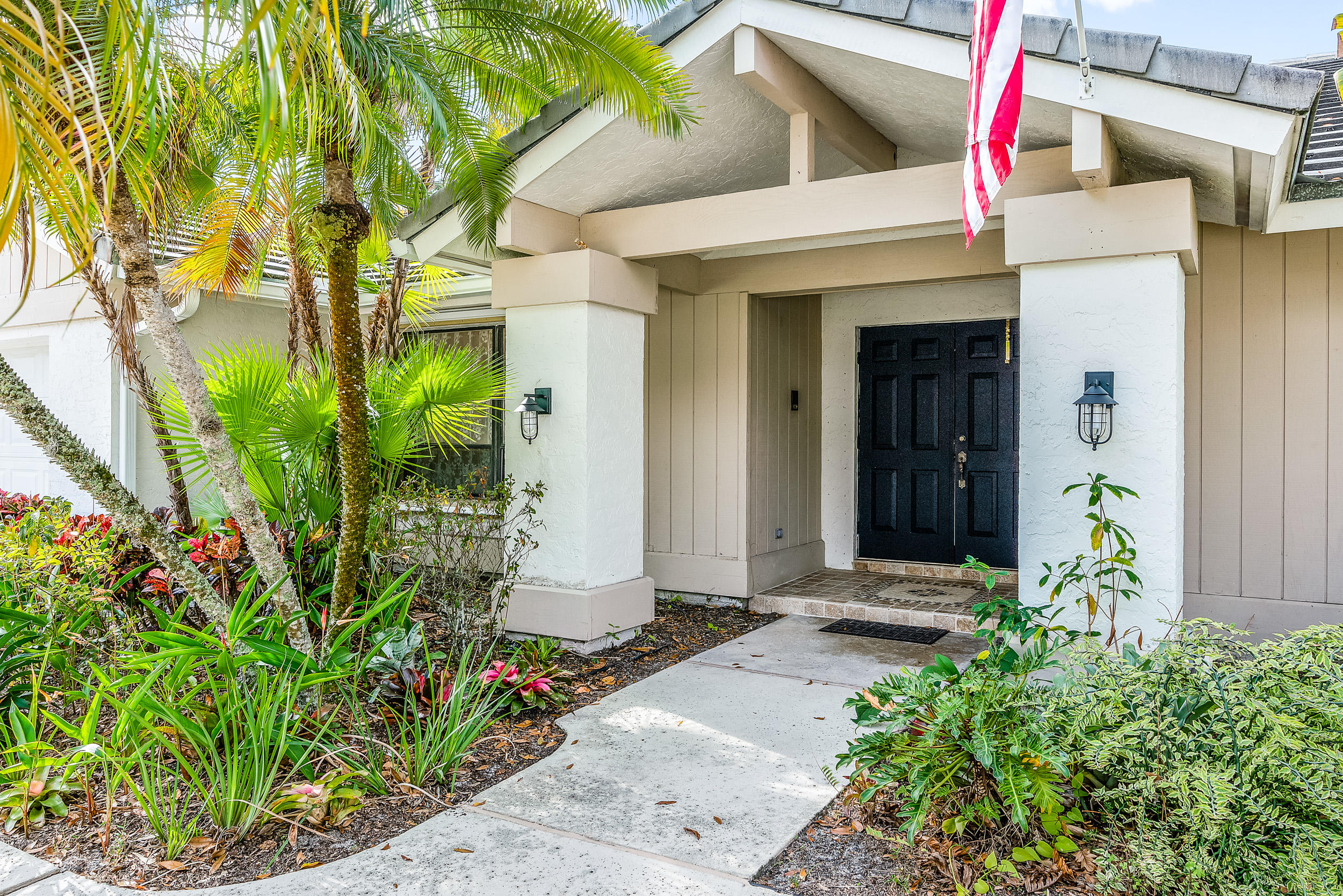 185 Bayberry Place  - Abacoa Homes - photo 4