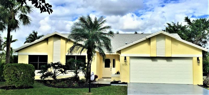Delray Beach: Boca Delray Golf & Country Club - listed at 495,000 (16725 Willow Creek Dr)