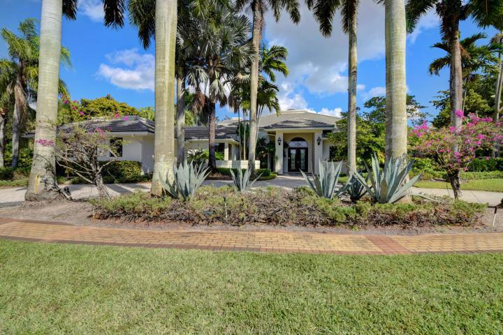 Boca Raton: St. Andrews - listed at 1,695,000 (17315 Northway Cir)