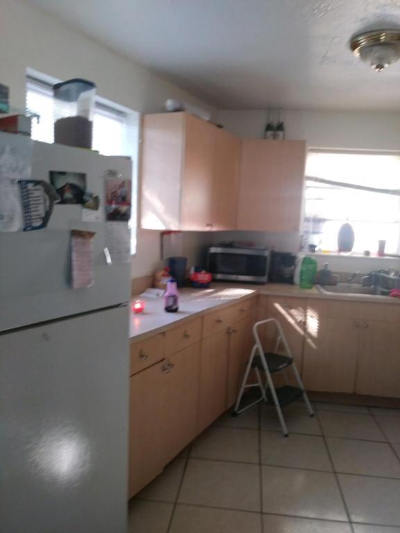 2318 Ne 136th Terrace, North Miami Beach, FL 33181