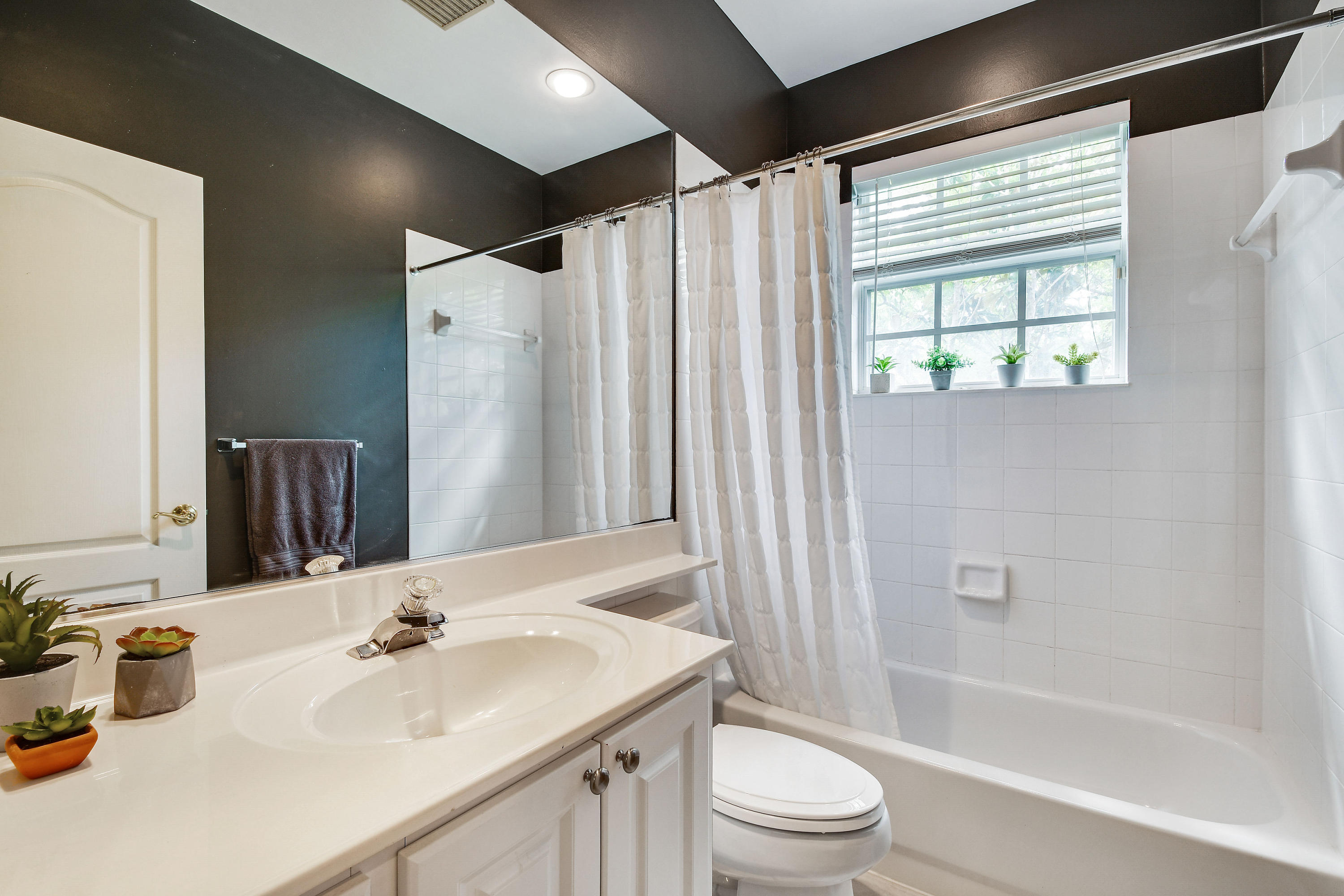 146 Day Lily Drive  - Abacoa Homes - photo 27