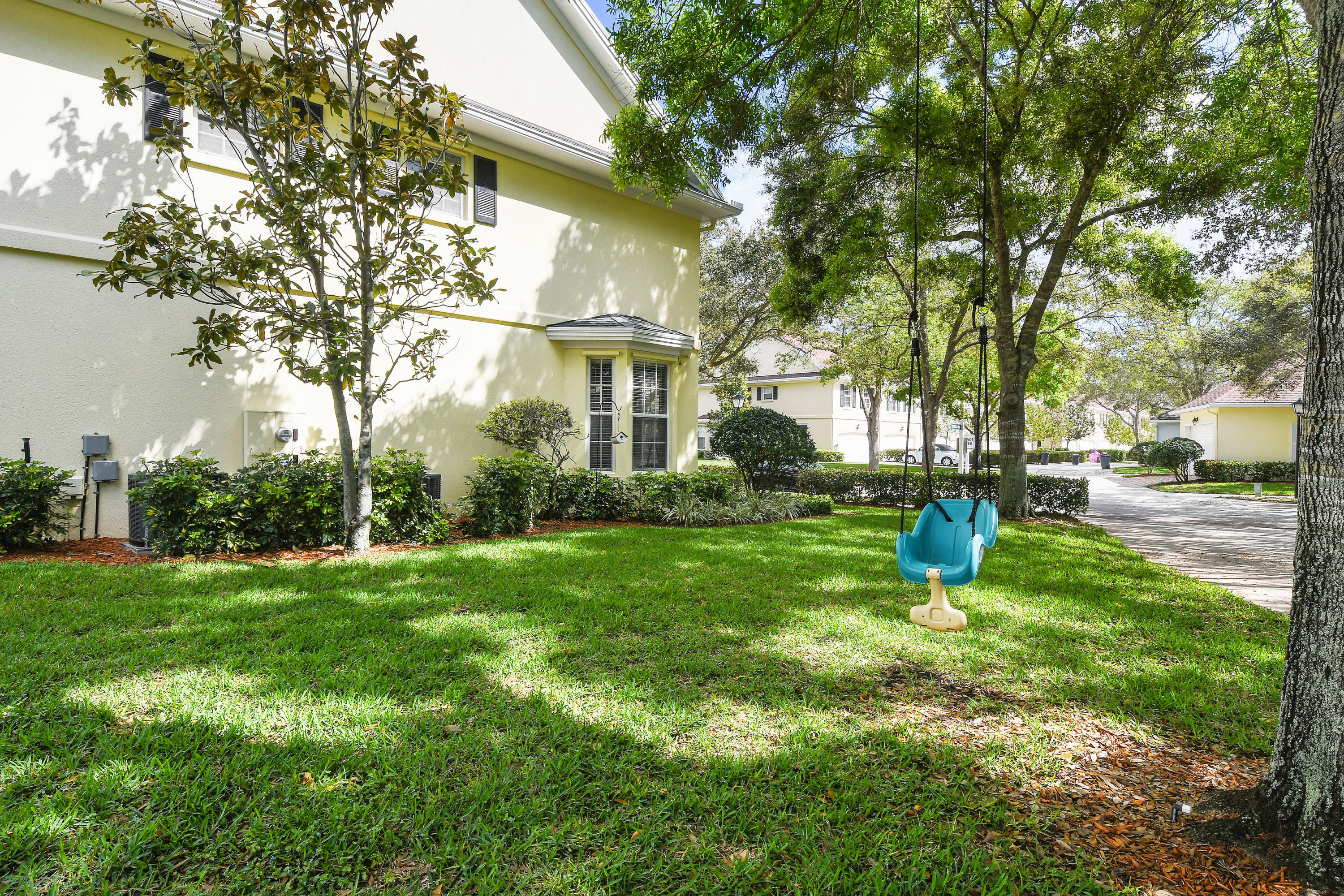 146 Day Lily Drive  - Abacoa Homes - photo 4