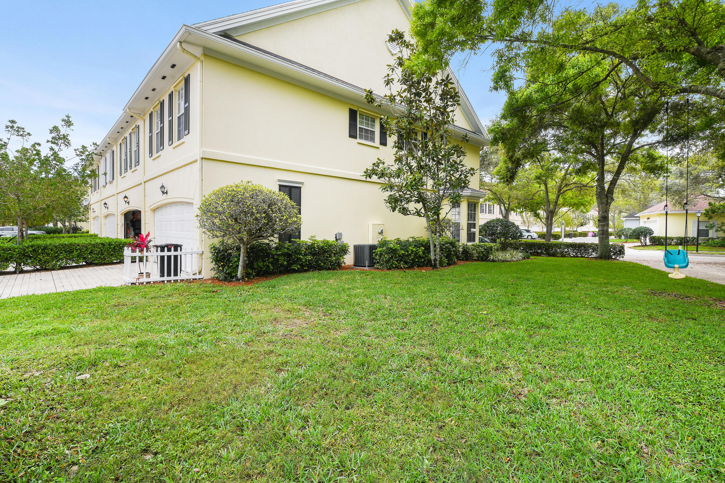 146 Day Lily Drive  - Abacoa Homes - photo 43