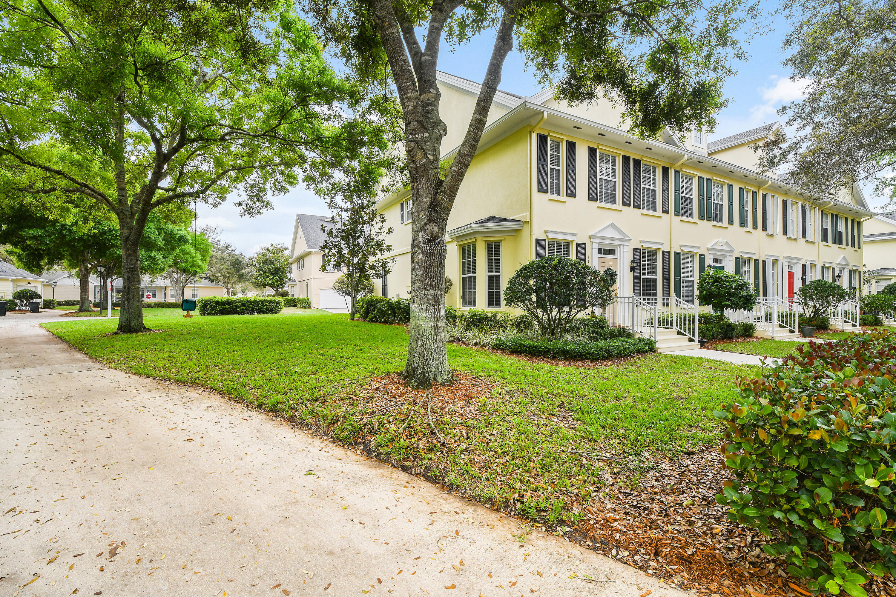 146 Day Lily Drive  - Abacoa Homes - photo 44