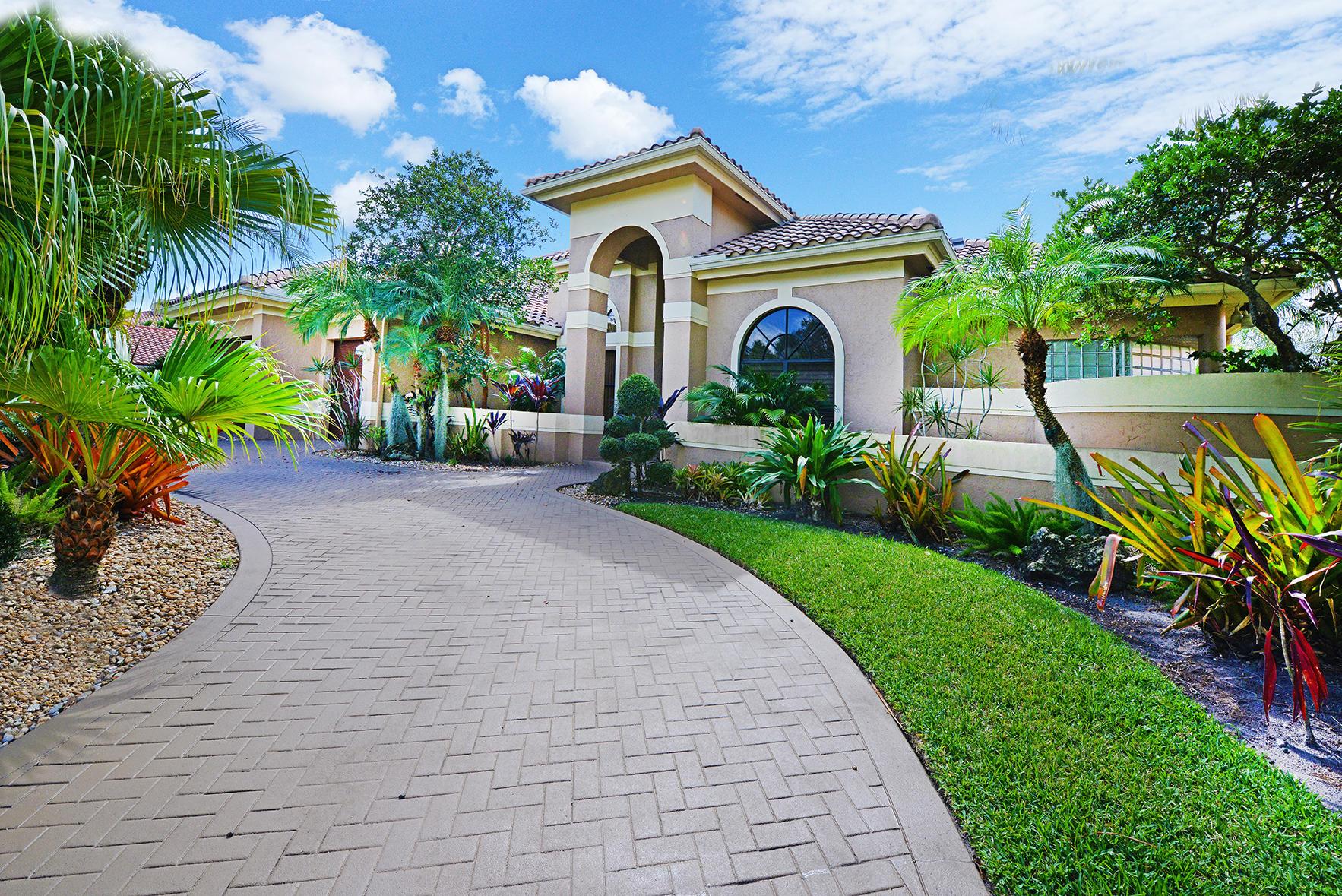 6694 Newport Lake Circle  Boca Raton FL 33496