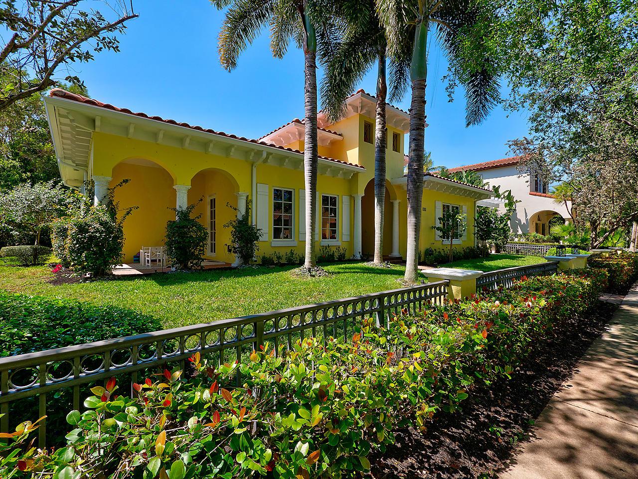 106 Santander Drive  - Abacoa Homes - photo 2