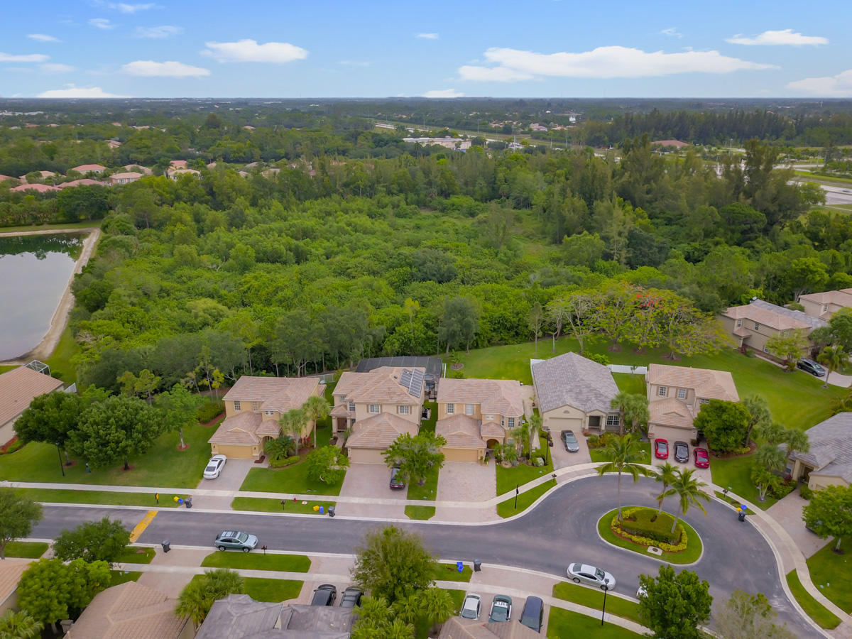 Lake Worth: Thoroughbred Lakes - listed at 424,900 (10135 Clubhouse Turn Rd)