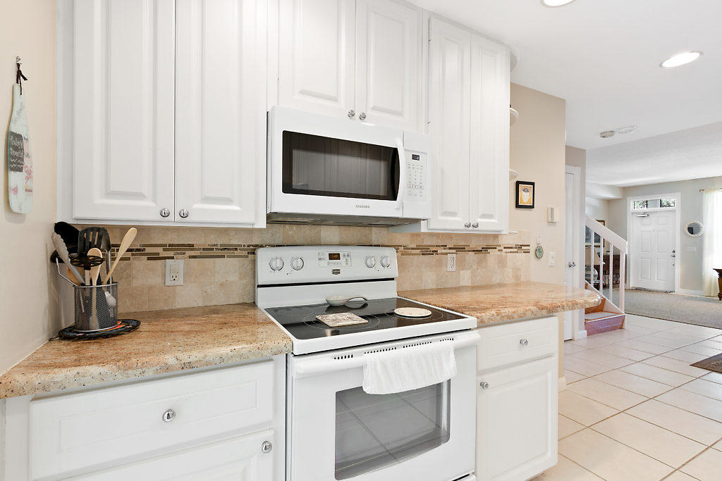 137 Radcliffe Court  - Abacoa Homes - photo 10