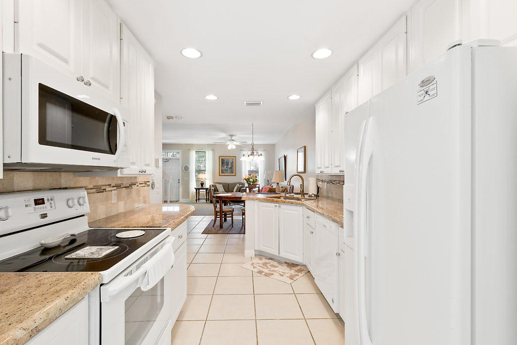 137 Radcliffe Court  - Abacoa Homes - photo 11
