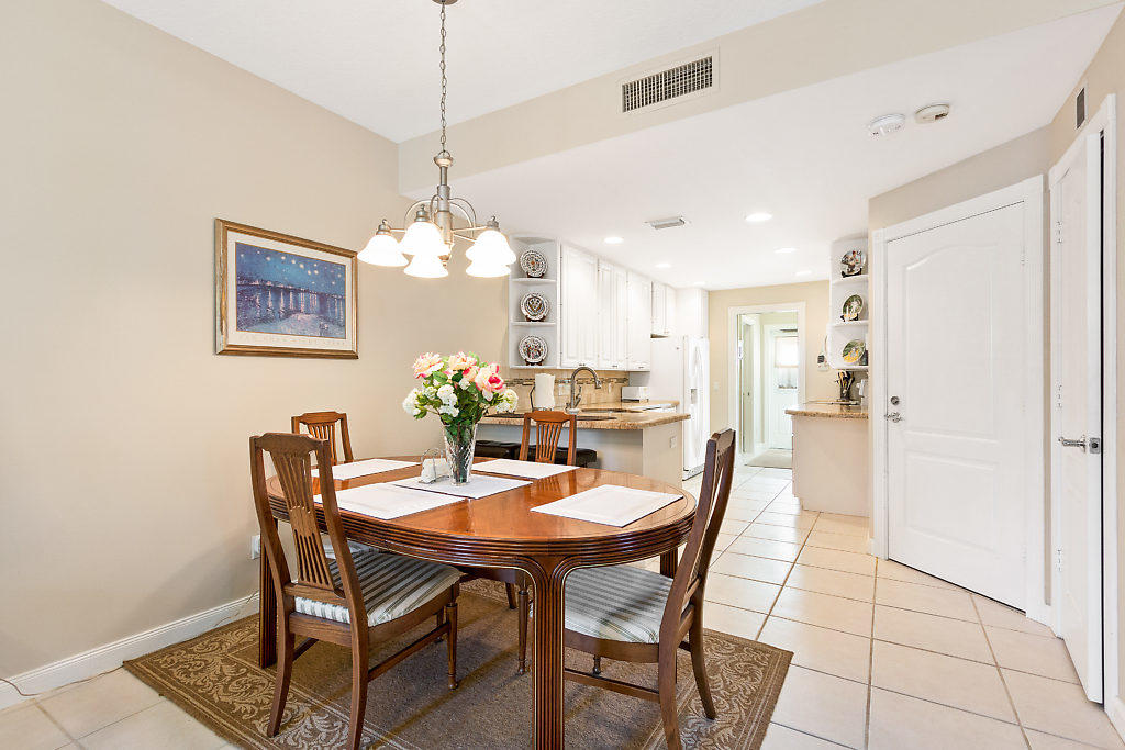 137 Radcliffe Court  - Abacoa Homes - photo 8