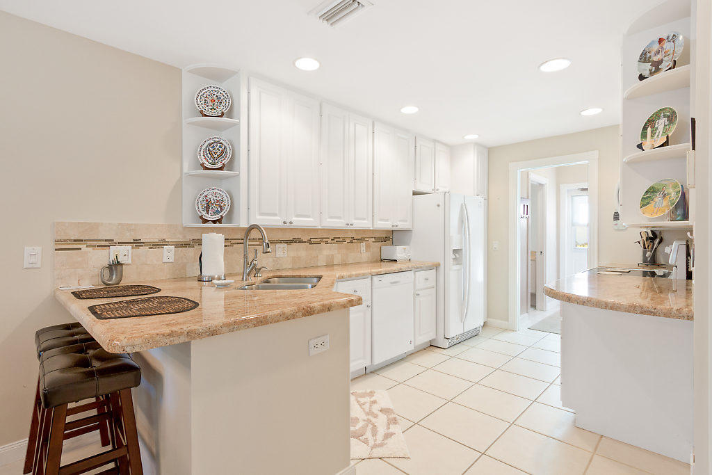 137 Radcliffe Court  - Abacoa Homes - photo 9