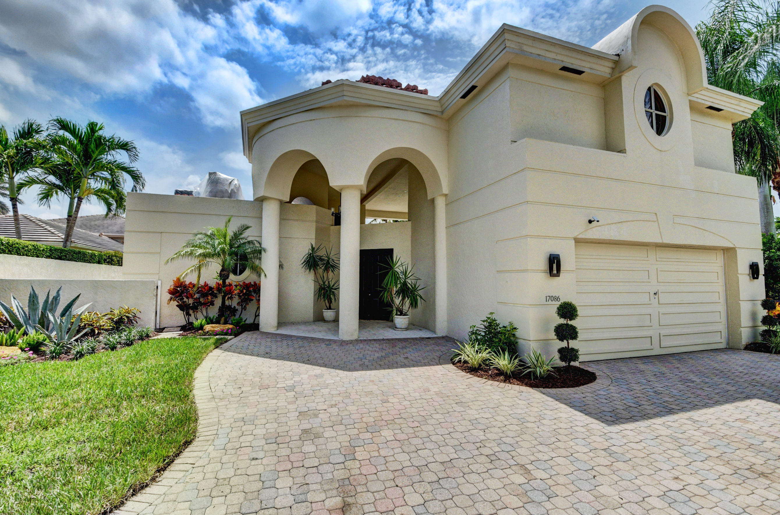 Delray Beach: Royal Palm Cove - listed at 1,099,000 (17086 Royal Cove Wy)
