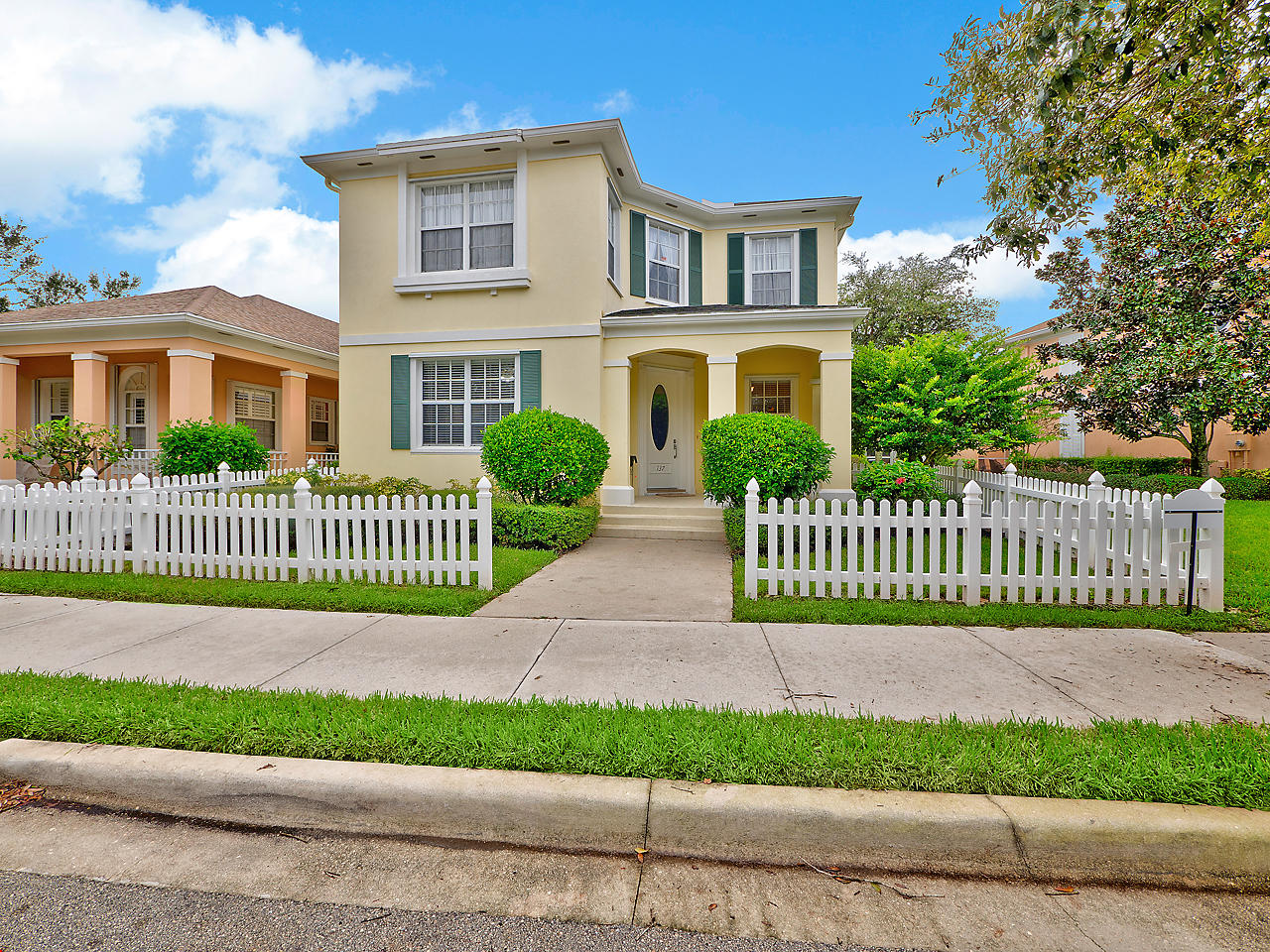 Abacoa - 137 Waterford Drive Jupiter FL 33458