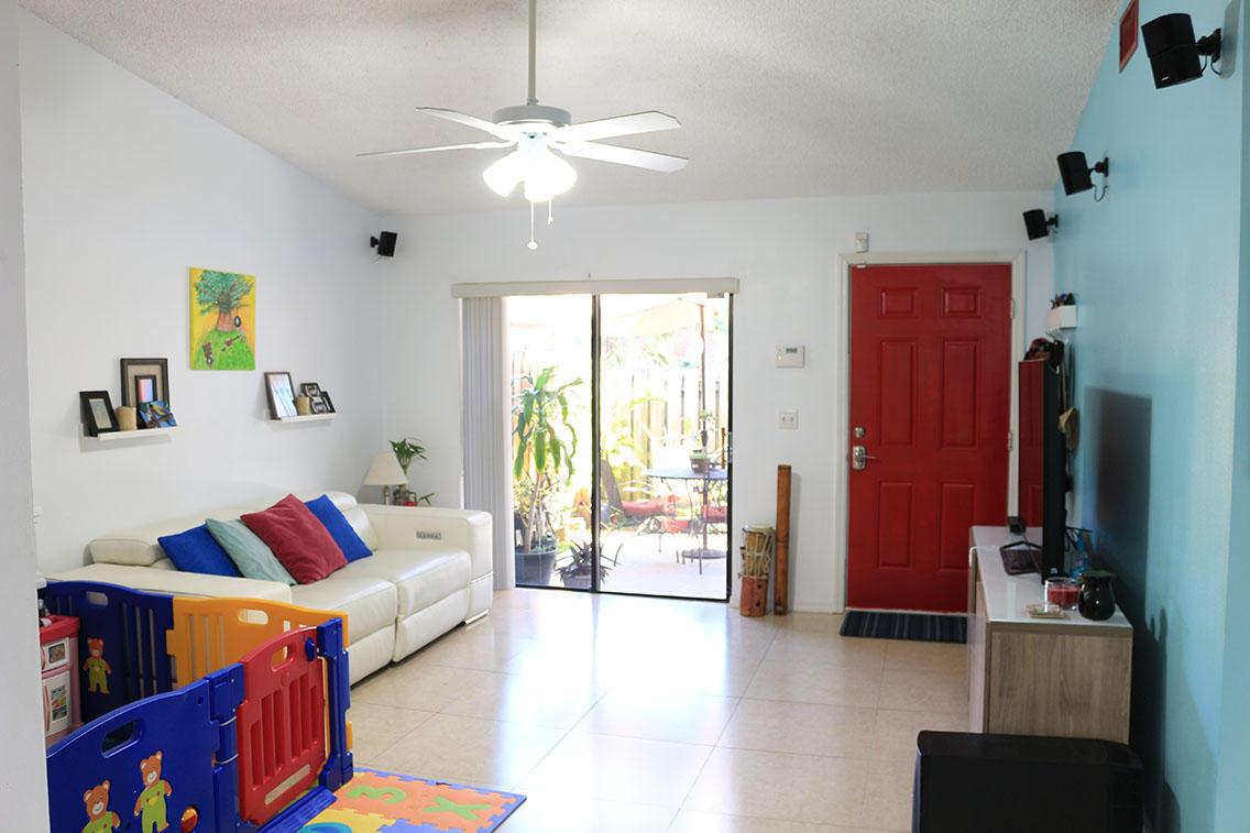 4284 Woodstock Drive C  West Palm Beach FL 33409