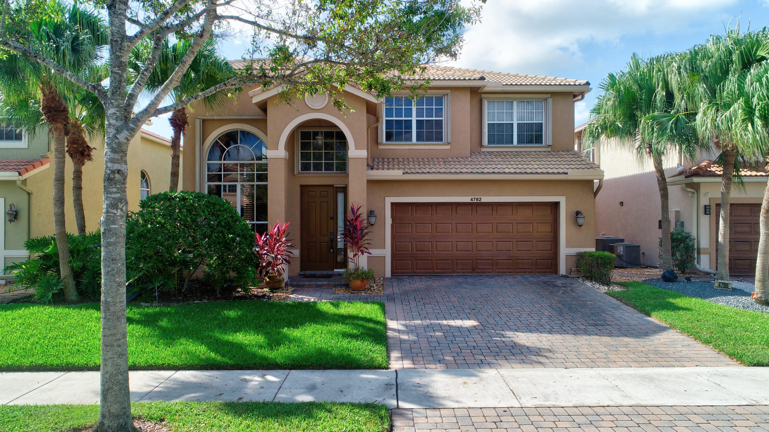 Delray Beach: The Colony - listed at 495,000 (4782 N Classical Blvd)