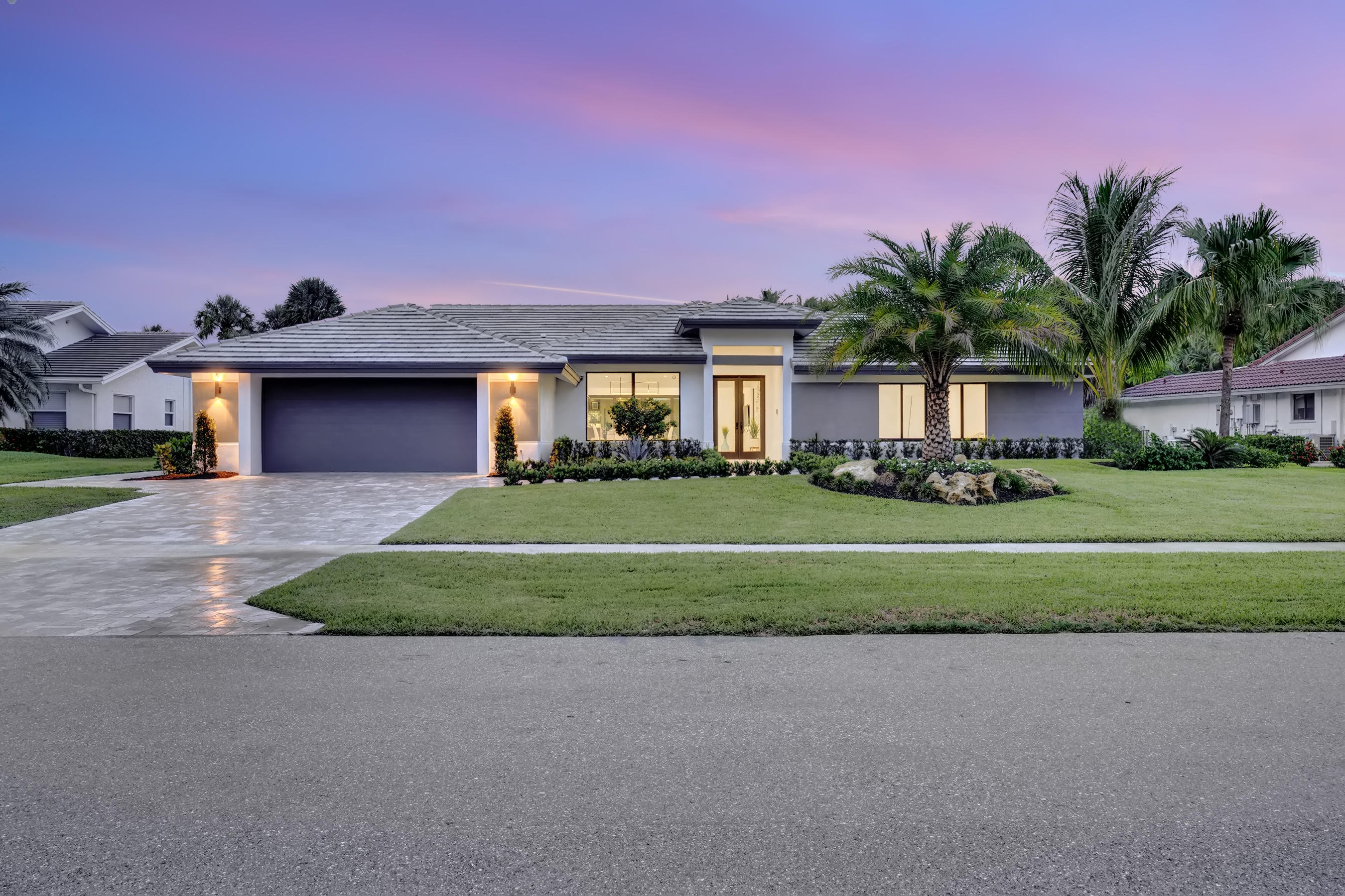 Delray Beach: Delaire Country Club - listed at 1,149,000 (4657 Tree Fern Dr)