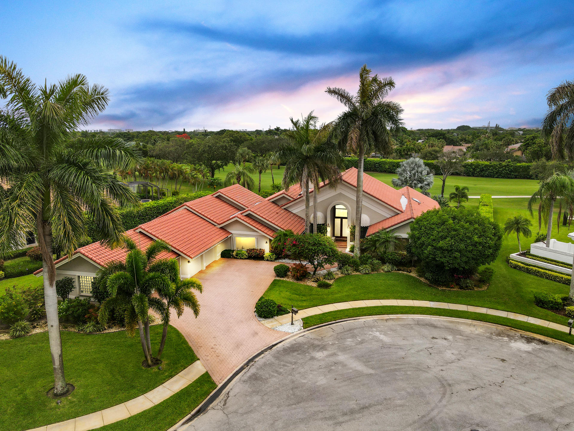 Boca Raton: Bocaire Country Club - listed at 1,150,000 (4832 Chamal Cir)