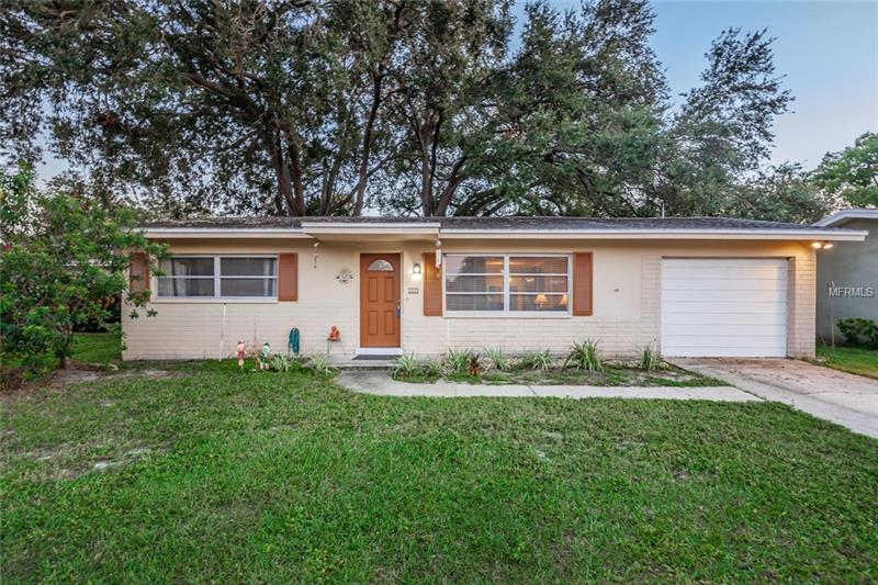 1439 Bentley St CLEARWATER  33755